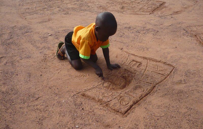 Natale è alle porte: aiuta i piccoli di Mupoi ad andare a scuola!
